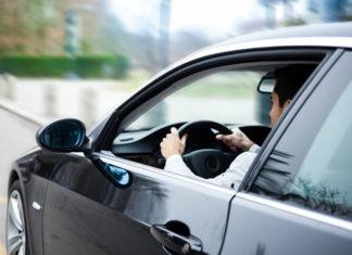 Gadżety dla kierowcy – co zabrać w trasę?