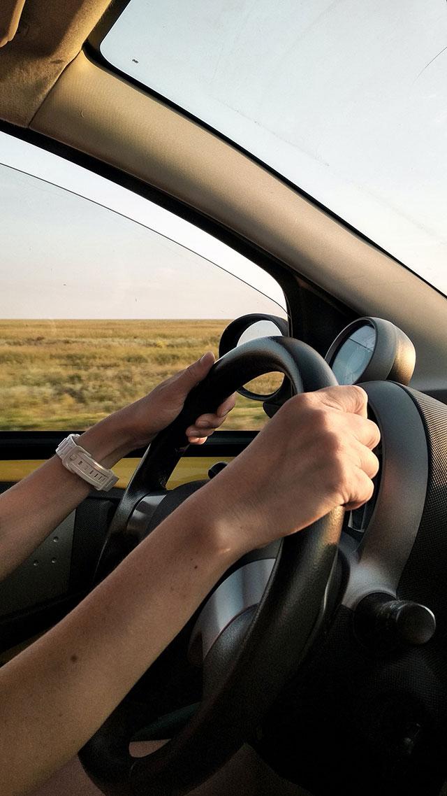 Czy warto wynająć samochód z wypożyczalni